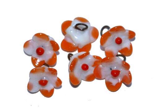 Best.Nr.:33-0445 wunderschöne handgearbeitete Glasblüten  um 1920 in Gablonz/Böhmen hergestellt  auf der Rückseite mit einer Öse versehen  (nur wenige auf Lager)