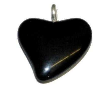 Best.Nr.:34147 Glasanhänger Herz mit Öse,  schwarz opak,  hergestellt in Gablonz / Tschechien