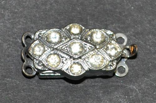 Best.Nr.:39009  Verschluss silberfarben mit 7 Strasssteinen, 1950/60 Jahren in Gablonz/Böhmen hergestellt