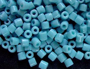 Best.Nr.:41084 Glasperlen in den 1920/30 Jahren in Gablonz/Böhmen hergestellt hellblau