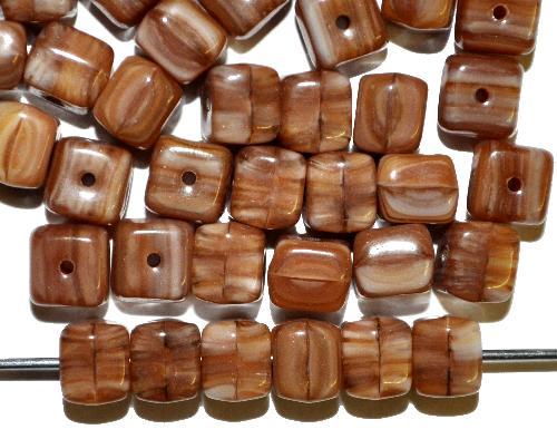 Best.Nr.:41113 Glasperlen Würfel  braun opak,  hergestellt in Gablonz / Tschechien