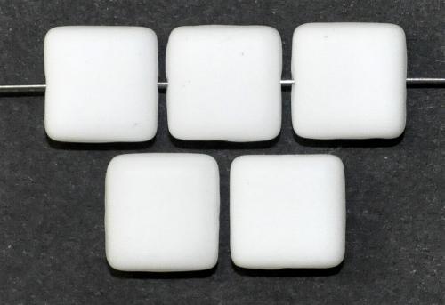 Best.Nr.:49237 Glasperlen Quadrate weiß mattiert, hergestellt in Gablonz / Tschechien