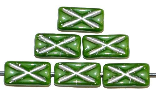 Best.Nr.:49385 Glasperlen Rechtecke, grün opak mit Silberauflage und eingeprägtem Kreuz, hergestellt in Gablonz / Tschechien