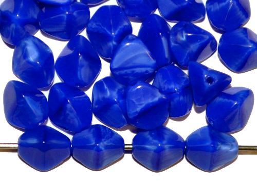 Best.Nr.:49509 Glasperlen Pinchbeads  Dreieckform  blau opak,  hergestellt in Gablonz / Tschechien