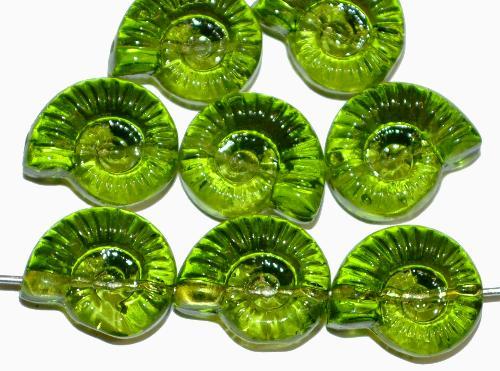 Best.Nr.:51146 Glasperlen Schneckenhaus Vorder-und Rückseite geprägt, grün transp.,  hergestellt in Gablonz / Tschechien