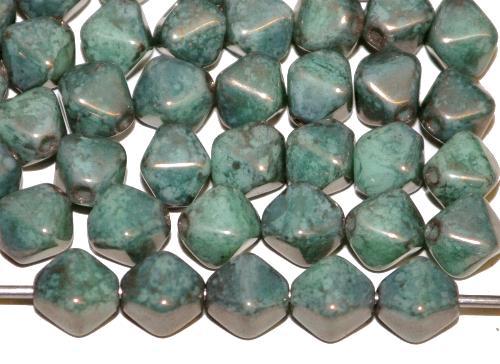 Best.Nr.:54122 Glasperlen Doppelpyramide  vierkantig blaugrün bronziert,  hergestellt in Gablonz / Tschechien