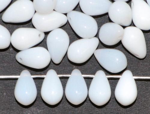 Best.Nr.:55100 Glasperlen Tropfen  Opalglas milkywithe,  hergestellt in Gablonz / Tschechien