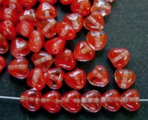 Best.Nr.:56102 Glasperlen Herzen rot kristall