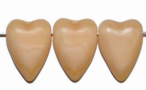 Best.Nr.:56139 Glasperlen Herzen  beige mattiert,  hergestellt in Gablonz / Tschechien