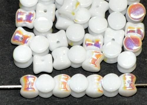 Best.Nr.:57476 Glasperlen Diabolo ineinander greifend weiß opak mit AB finish, hergestellt in Gablonz / Tschechien