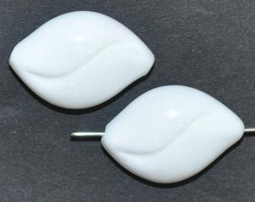 Best.Nr.:57502 Glasperlen  weiß opak,  hergestellt in Gablonz / Tschechien