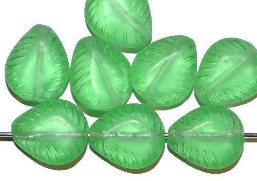Best.Nr.:57583 Glasperlen Nuggets  grün transp., mattiert ( frostet ),  hergestellt in Gablonz / Tschechien