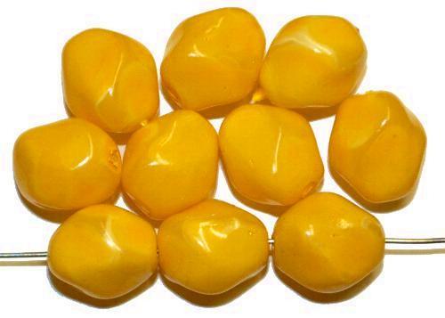 Best.Nr.:58094  Glasperlen Nuggets mit Wachsüberzug,  sonnengelb,  hergestellt in Gablonz / Tschechien