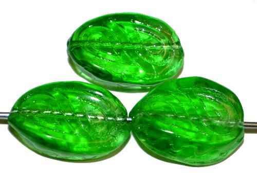 Best.Nr.:59284  Antik style Glasperlen  grün transp. mit eingeprägten paisley Muster,  nach alten Vorlagen  aus den 1920 Jahren in Gablonz Tschechien neu gefertigt
