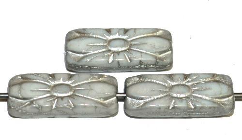 Best.Nr.:59304 vintage style Glasperlen mit Blütenornament, weiß opak mit Silberauflage,  nach alten Vorlagen aus den 1930 Jahren in Gablonz / Tschechien neu gefertigt