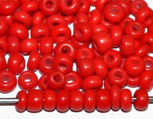 Best.Nr.:61008/100  Rocailles um 1920/30 in  Gablonz/Böhmen hergestellt,  rot opak