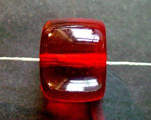 Best.Nr.:63406 Glasperlen Walze,  in den 1920/30 Jahren in Gablonz/Böhmen hergestellt, rot transparent