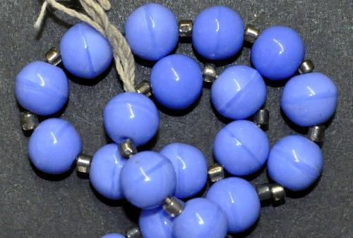 Best.Nr.:63523  Glasperlen rund blau opak,  in den 1920 bis 40 Jahren in Gablonz/Böhmen hergestellt,  (nur einmal auf Lager)