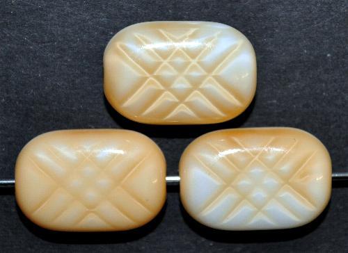 Best.Nr.:63524  Glasperlen,  in den 1960/70 Jahren in Gablonz/Böhmen hergestellt,  beige weiß opak