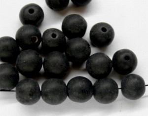 Best.Nr.:63544 Glasperlen rund in den 1920/30 Jahren in Gablonz/Böhmen hergestellt, schwarz mattiert ( frostet )