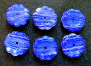 Best.Nr.:63561 Glasperlen Blüten 1920/30 in Gablonz/Böhmen hergestellt, blau weiß opak