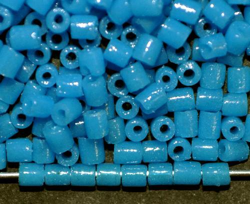 Best.Nr.:63571 Glasperlen 2-cut Beads, greasy Powderblue, in den 1910/20 Jahren in Gablonz/Böhmen hergestellt
