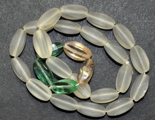 Best.Nr.:63587 Glasperlen Farbmix,  in den 1920 bis 40 Jahren in Gablonz/Böhmen hergestellt,  (nur einmal auf Lager)