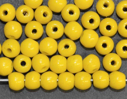 Best.Nr.:63598  Glasperlen rund gelb opak,  in den 1930/40 Jahren in Gablonz/Böhmen hergestellt