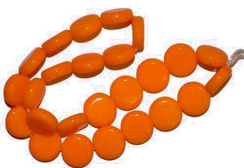 Best.Nr.:63788 Glasperlen in den 1940/50 Jahren in Gablonz/Böhmen hergestellt,  Scheiben orange opak,  (nur einmal auf Lager)