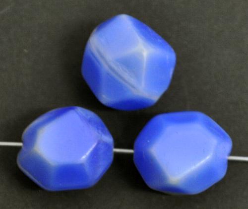 Best.Nr.:63858 Glasperlen,  blau,  in der Zeit von 1910 bis 1930 in Gablonz/Böhmen  hergestellt, (nur wenige auf Lager)