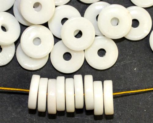 Best.Nr.:63859 Glasperlen / Trade Beads Scheiben,  kreideweiß,  in den 1930/40 Jahren in Gablonz/Böhmen hergestellt, (Prosserbeads)