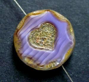 Best.Nr.:671162 Glasperlen / Table Cut Beads, mit eingeprägtem Herz,  violett Perlettglas,  geschliffen mit picasso finish, hergestellt in Gablonz / Tschechien