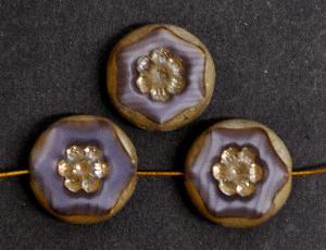 Best.Nr.:671167 Glasperlen geschliffen / Table Cut Beads, violett Perlettglas, mit eingepägtem Blütenornament, und burning silver picasso finish