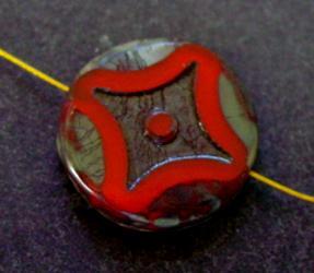 Best.Nr.:671170 Glasperlen / Table Cut Beads rot opak, geschliffen mit picasso finish