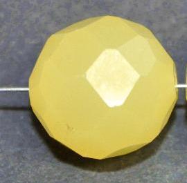 Best.Nr.:76015 mc schliff Glasperlen, greasy yellow, um 1920/30 in Gablonz/Böhmen hergestellt,
