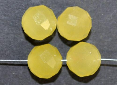 Best.Nr.:76024  mc schliff Glasperlen, greasy yellow, um 1920/30 in Gablonz/Böhmen hergestellt,