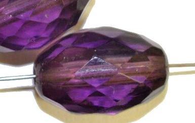 Best.Nr.:76039 geschliffene Glasperlen Oliven, violett transp., um 1920/30 in Gablonz/Böhmen hergestellt,
