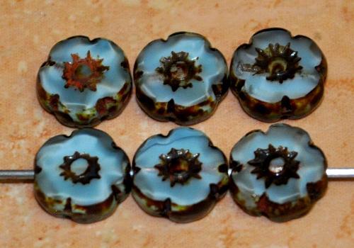 Best.Nr.:67568 Glasperlen / Table Cut Beads Blüten geschliffen  Perlettglas hellblau mit picasso finish,  hergestellt in Gablonz / Tschechien