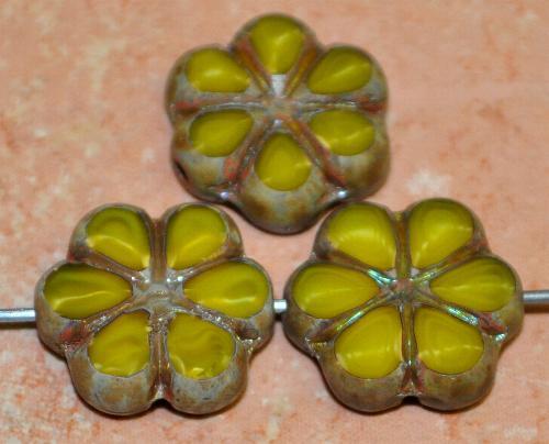 Best.Nr.:671457 Glasperlen / Table Cut Beads Blüten geschliffen  Perlettglas gelb, mit burning silver picasso finish, hergestellt in Gablonz / Tschechien