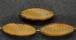 Best.Nr.:67350 Glasperlen / Table Cut Beads geschliffen Perlettglas beige mit picasso finish,  hergestellt in Gablonz / Tschechien