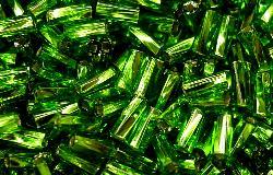 Best.Nr.:21087 Glasperlen / Stiftperlen getwistet, grün mit Silbereinzug,  von Preciosa Ornella Tschechien hergestellt,
