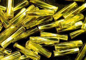 Best.Nr.:21086 Glasperlen / Stiftperlen getwistet, gelb mit Silbereinzug, von Preciosa Ornella Tschechien hergestellt,