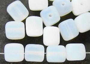 Best.Nr.:49246 Glasperlen Würfel opalweiß mattiert ( frostet )