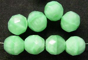 Best.Nr.:26155 facettierte Glasperlen hellgrün meliert, Hergestellt in Gablonz / Tschechien