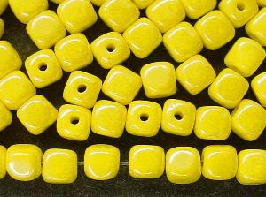 Best.Nr.:49058 Glasperlen Würfel  gelb mit lüster