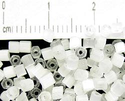 Best.Nr.:16011 Schnittperlen Satinglas weiß, hergestellt von Ornella Preciosa Tschechien,