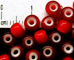 Best.Nr.:17019 Rocailles rot mit weißen Kern
