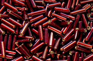 Best.Nr.:21042 Stiftperlen hergestellt von Preciosa Ornella Tschechien, rot mit Silbereinzug