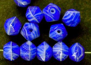 Best.Nr.:63336 Glasperlen in den 1920/30 Jahren in Gablonz/Böhmen hergestellt blau weiß