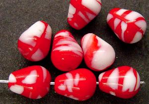 Best.Nr.:63187 Glasperlen in den 1920/30 Jahren in Gablonz/Böhmen hergestellt rot weiß